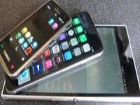 Apple and Android are developing larger size handsets